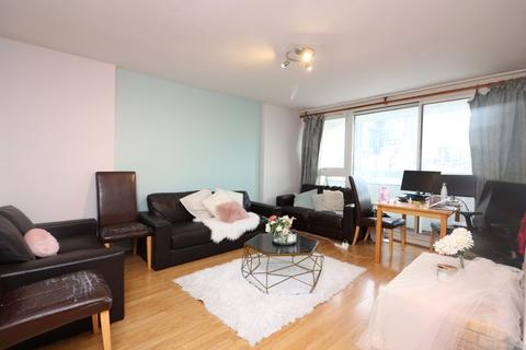3 bedroom apartment to rent - Knighthead Point, Isle of Dogs, E14