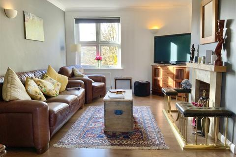 3 bedroom flat for sale - Mullings Court, Cirencester