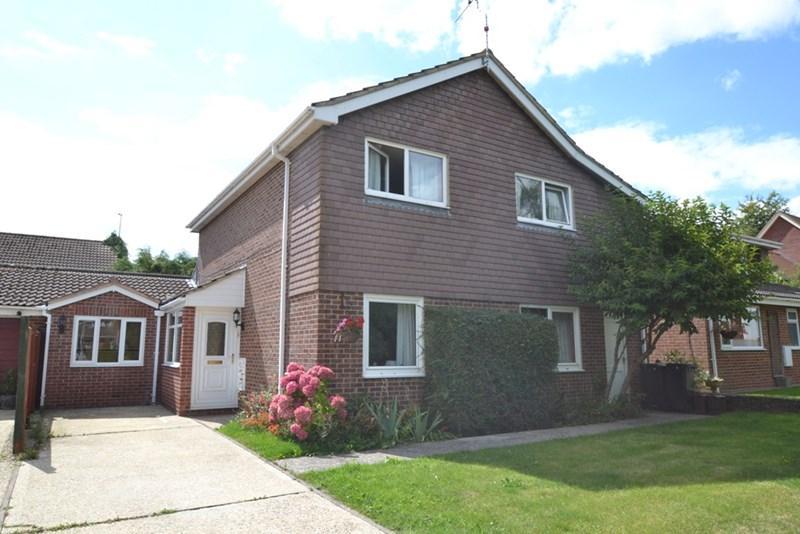 5 Bedrooms Detached House for sale in Hambledon Gardens, Blandford Forum