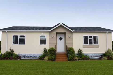 2 bedroom park home for sale - Plot 127 Beverley Hills Park