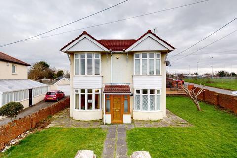 4 bedroom detached house - Brynglas Terrace, Pyle, Bridgend, CF33 6AG