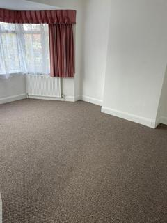 4 bedroom semi-detached house to rent - Willow Road, Enfield