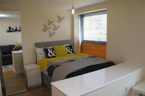 Studio to rent - Loom House, East Street Leeds LS9