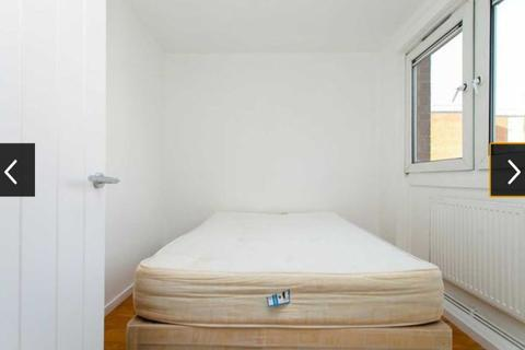 4 bedroom house share to rent - Lovely Single Bedroom to Rent in Shared Flat in Arbery Road, Old Ford E3