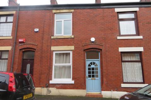 2 bedroom terraced house to rent - St Martin Street, Castleton, OL11