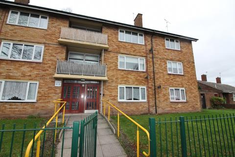 2 bedroom flat to rent - Ravenscroft Road, Willenhall