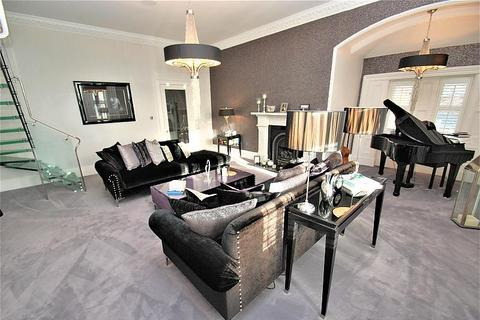 4 bedroom apartment for sale - Westoe Hall, South Shields
