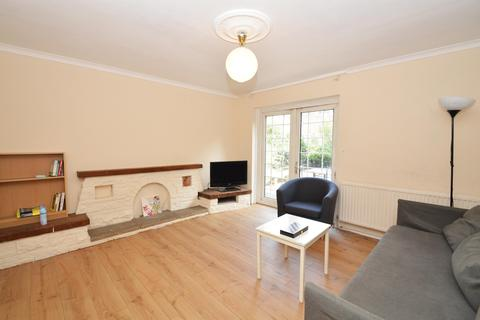 4 bedroom semi-detached house to rent - Finnis Street, E2
