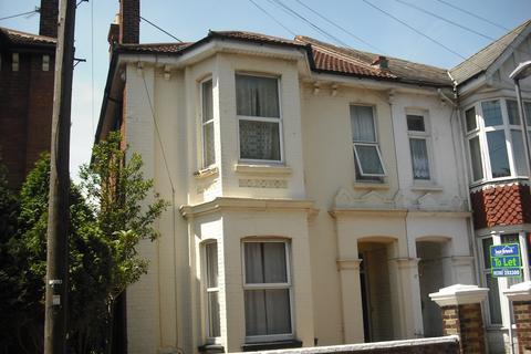 Studio to rent - St Andrews Rd, Southsea, PO5