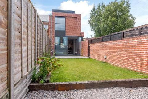 3 bedroom end of terrace house to rent - Greenhill Avenue, Fulflood, Winchester, Hampshire, SO22