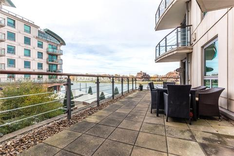 2 bedroom apartment for sale - Flagstaff House, St George Wharf, Vauxhall, London, SW8