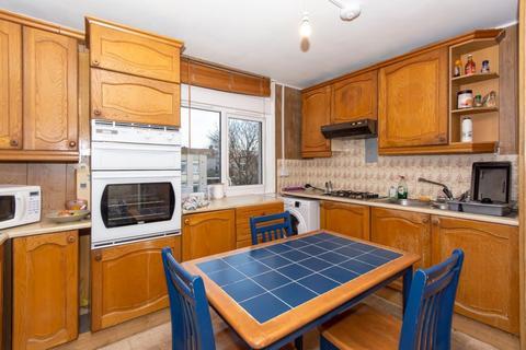 3 bedroom flat to rent - Cedars Road, Clapham