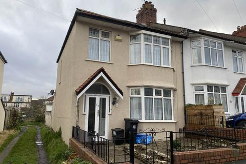 3 bedroom end of terrace house to rent - Wessex Avenue , Horfield, Bristol