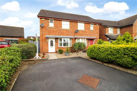 3 bedroom semi-detached house to rent - Nevern Crescent, Ingleby Barwick, Stockton-on-Tees