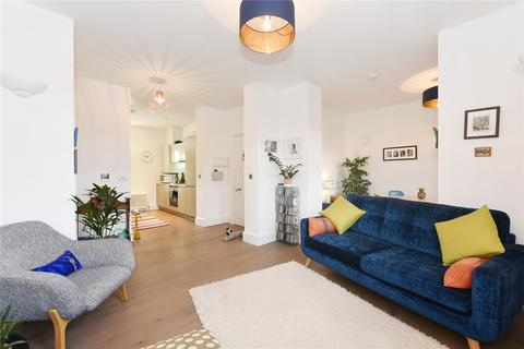 2 bedroom flat for sale - Wellesley Road, Woolwich, London, SE18