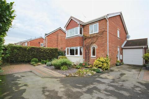 4 bedroom detached house for sale - Newton Drive, Beverley