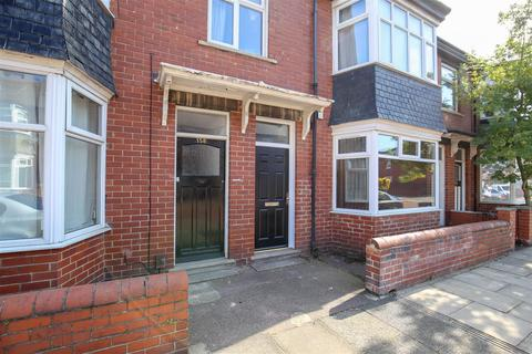 3 bedroom flat for sale - Whitefield Terrace, Heaton, Newcastle Upon Tyne