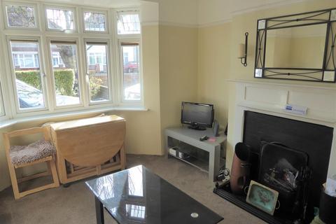 3 bedroom semi-detached house for sale - Ellington Road, Hounslow