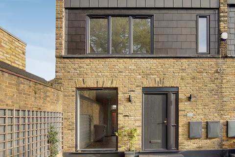2 bedroom terraced house for sale - Muirkirk Road, Catford, SE6