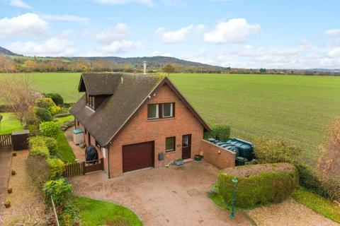 3 bedroom detached house for sale - Lower Icknield Way, Great Kimble, Buckinghamshire, HP17