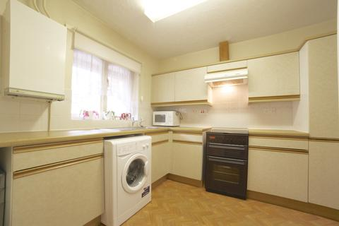 2 bedroom terraced house to rent - Hewison Street , Bow E3