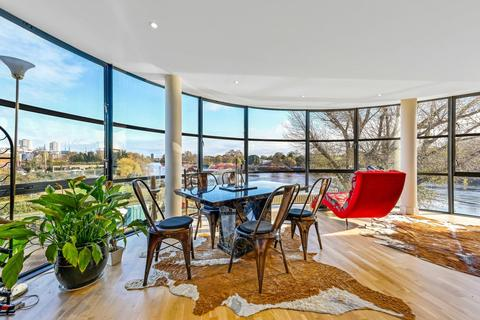 2 bedroom apartment to rent - Point Wharf Lane, Brentford, TW8