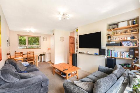 2 bedroom flat for sale - Shore House, 8 Heather Close, London, SW8