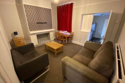 3 bedroom house to rent - Haddon Street, Salford, M6 6BN