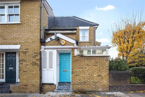 2 bedroom house for sale - Coborn Road, Bow, London, E3