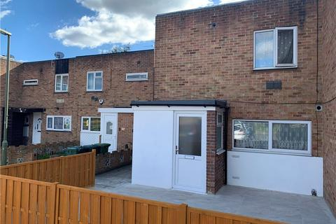 4 bedroom end of terrace house for sale - Falcon Drive, Stanwell, Staines-upon-Thames, TW19