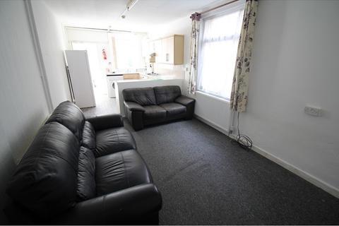 2 bedroom flat to rent - Lochaber Street, Roath, Cardiff