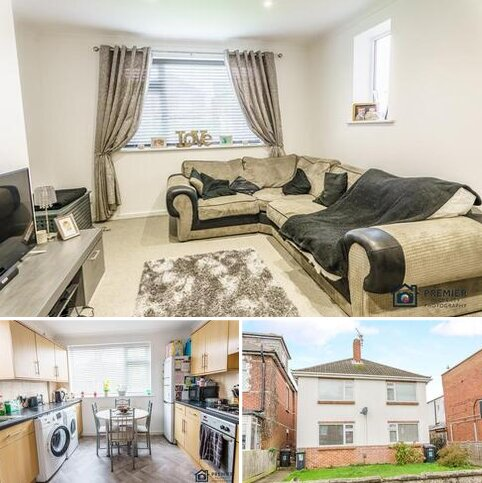 2 bedroom apartment for sale - PRIVATE GARDEN * Two double bedroom flat! Charminster Avenue