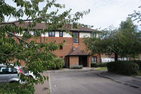 2 bedroom flat to rent - Copse Lane, Horley