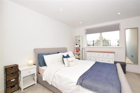2 bedroom apartment for sale - Half Moon Lane, Epping, Essex