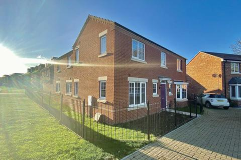 4 bedroom detached house for sale - Darsdale Drive, Raunds