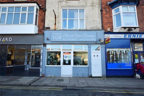 Retail property (high street) to rent - Market Street, Cleethorpes, DN35
