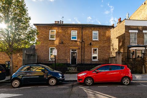 1 bedroom flat - Digby Road, Hackney E9