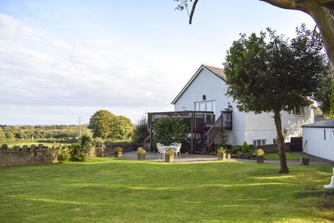 5 bedroom detached house for sale - Llantrisant Road, Groesfaen CF72