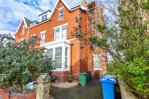2 bedroom ground floor flat - St Andrews Road South, St Andrews Road South