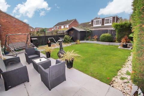 3 bedroom semi-detached house - Malvern Road, North Shields