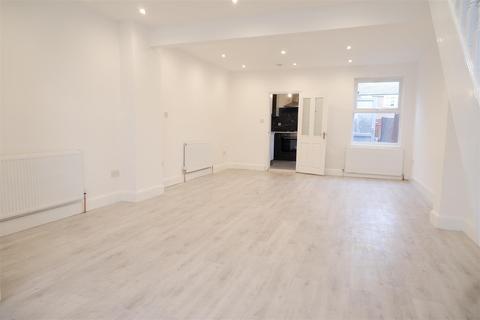 3 bedroom house to rent - Brickfield Lane, Harlington, Hayes