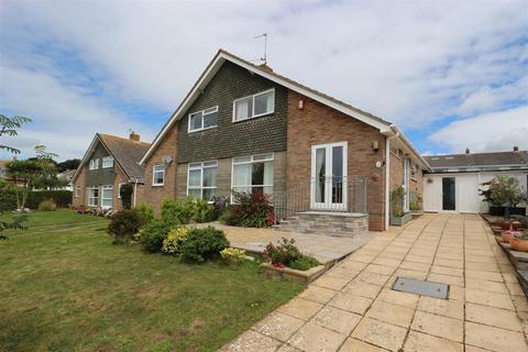3 bedroom semi-detached house - Chiltern Close, Livermead, Torquay, TQ2 6UD