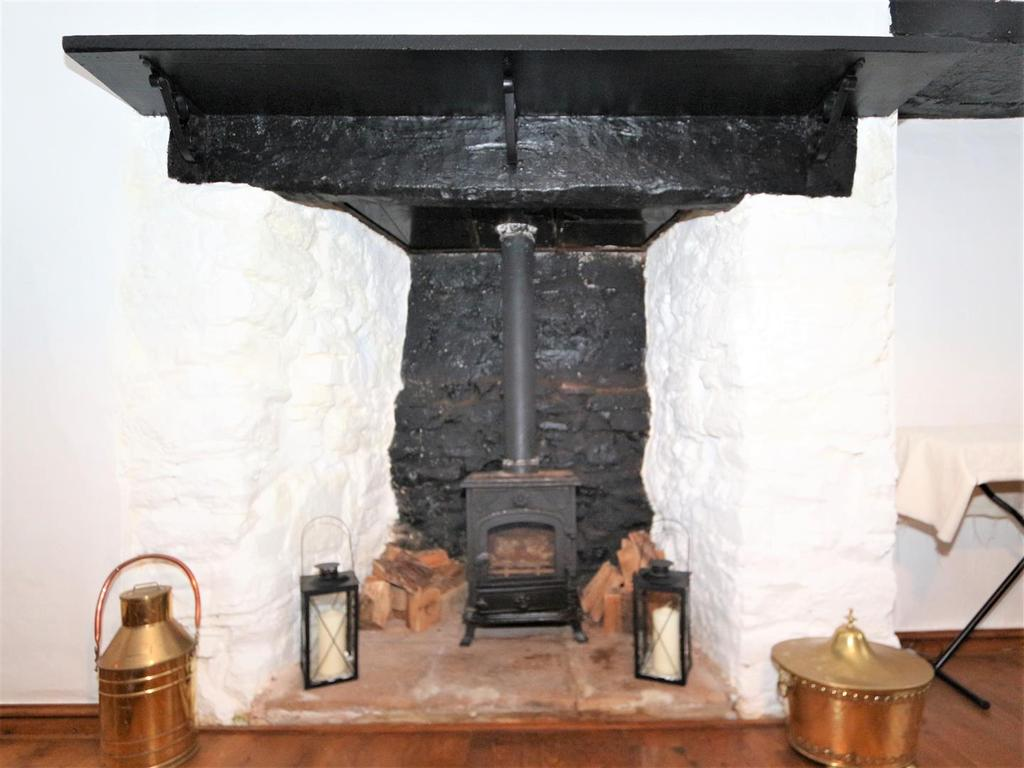 Cottage Fireplace.JPG