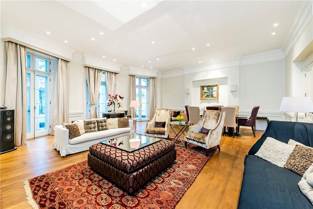 3 Bedrooms Maisonette Flat for sale in Park Lane, London, W1K