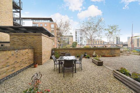 2 bedroom ground floor flat for sale - Branch Road, London, E14