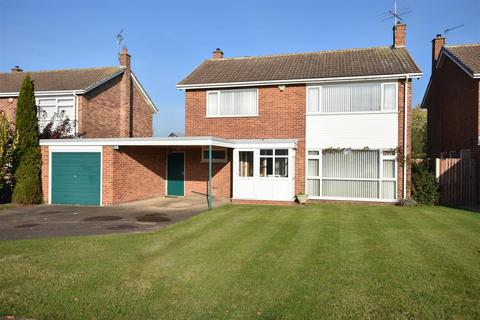 4 bedroom detached house for sale - The Paddocks, Newark