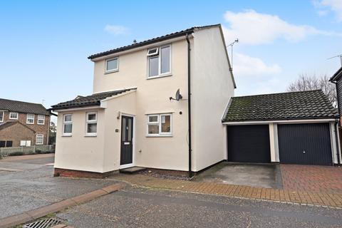 3 bedroom detached house - Pocklington Close, Chelmer Village, Chelmsford, CM2