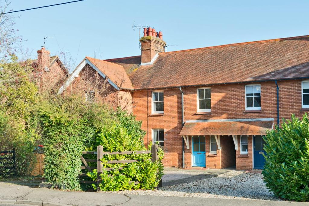 2 Bedrooms Terraced House for sale in Inkpen Road, Kintbury, Hungerford, Berkshire, RG17