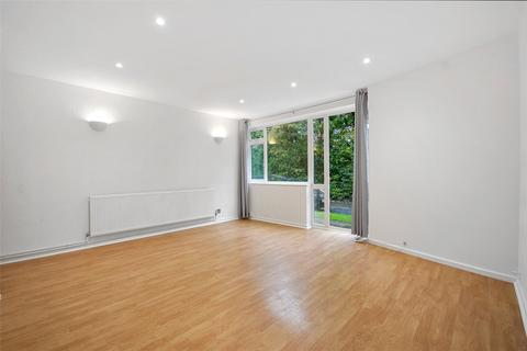 2 bedroom apartment for sale - North Orbital Road, Denham, Buckinghamshire, UB9