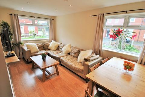6 bedroom terraced house to rent - Edgeworth Drive, 6 Bed, Manchester M14 6RS